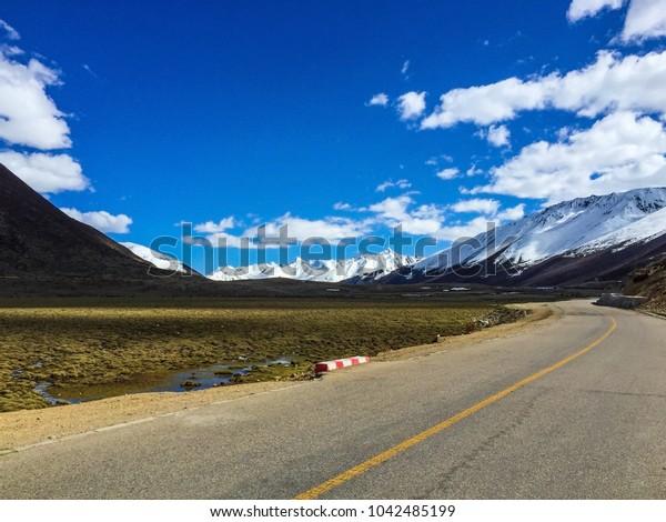 Tibet Anjuma mountain pass