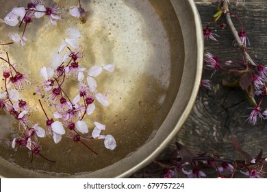 tibetan bowl with flowers