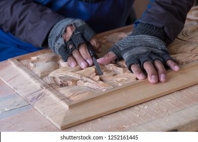 tibetan craftworks in spiti valley