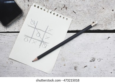Tic tac toe X O game with smart phone