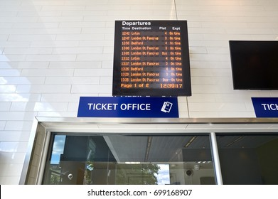 Ticket office and trains schedule in London