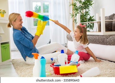 Tickles time, family cleaning home