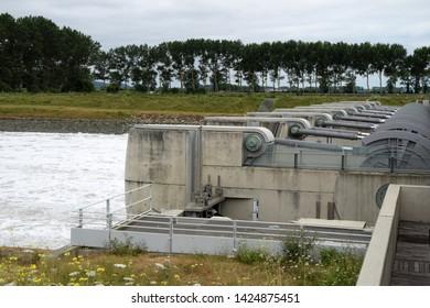 Tidal lock in Normandy, France