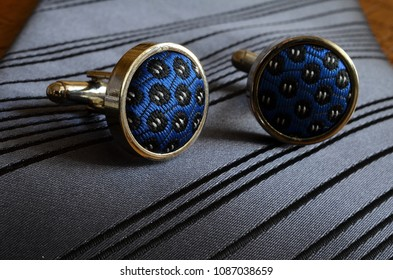 tie and shirt cufflinks