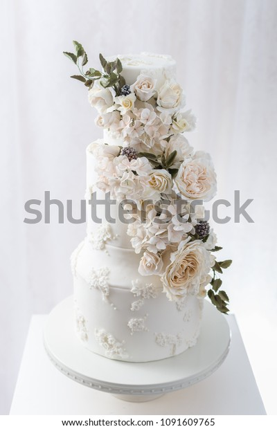 Tiered Wedding Cake Edible Flowers Stock Photo Edit Now 1091609765