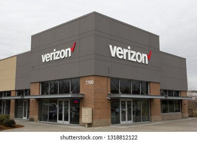 Tigard, Oregon - Feb 8, 2019: A full-service store for Verizon Wireless products and services. Verizon Wireless is the largest wireless telecommunications provider in the United States.