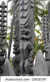 Tiki god at Puuhonua O Honaunau National Park, Hawaii, the City of Refuge.