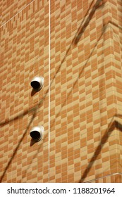 Tile outer wall and shadow