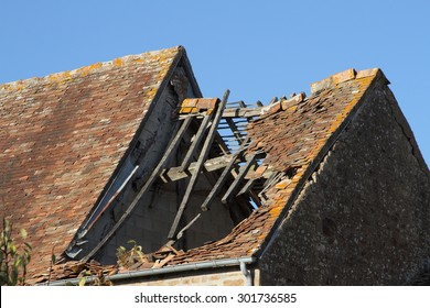 Tile Roof damaged and needing repair