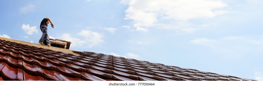 Tiling a roof (Panoramic image)