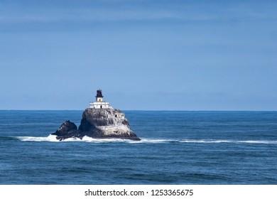 Tillamook lighthouse, Ecola Point, Pacific Coast, Cannon Beach, Seaside, Oregon, USA.