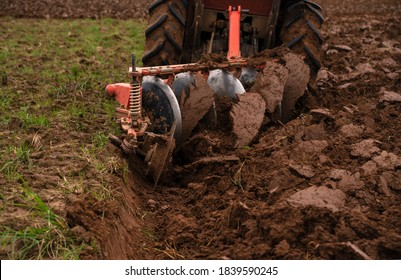 Tilling and prepare soil for planting by machine tools for plowing field or a tractor. Agricultural industry that requires the use of machinery to help reduce the amount of work and workload.