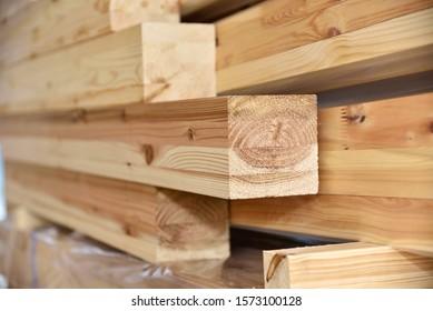 木造住宅工事の現場に使用する木材