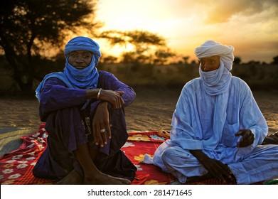 TIMBUKTU, MALI, 02-SEPTEMBER-2011. Tuaregs posing for a portrait in camp near Timbuktu