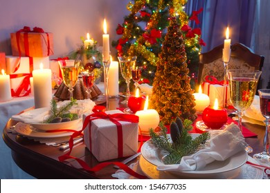 It is time for Christmas dinner