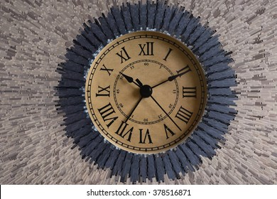 Time Clock - Time ticks along
