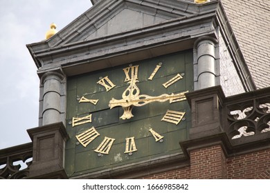 The time on church bell in the Netherlands