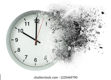 Time passes, dissolves. Concept of vanishing time.