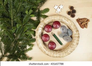 Tinker a Christmas wreath (Step 1)
