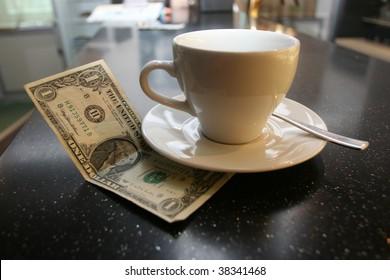 Tip on a counter (bar desk)