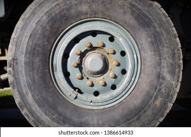 tire truck wheel construction vehicle heavy machine