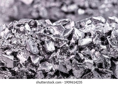 titanium metal alloy, used in the industry, titanium is a transition metal that adds value to metal alloys because it is light and resistant