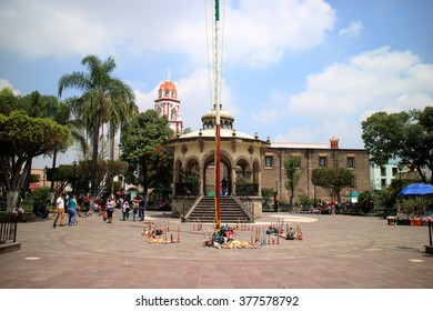 Tlaquepaque, JAL, Mexico - September 12, 2015: Tlaquepaque features El Parian, a large plaza flanked by columned arcades and surrounded by restaurants and bars.