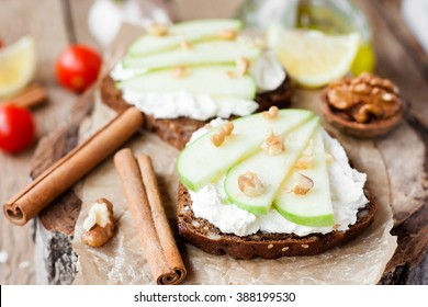 toast with cream cheese and apple