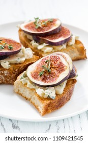 toast with figs and blue cheese, closeup