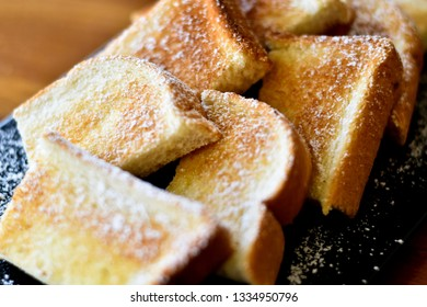 Toast with icing suger on top