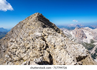 Tofana di Mezzo is the highenst peak in Tofane group.