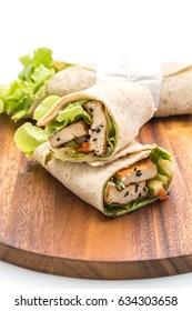 tofu wrap salad roll - healthy and vegan food