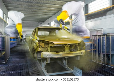 TOGLIATTI, RUSSIA - JUNE 09: Paint Shop B0 Platform. Robots painting body of LADA XRAY Car in Automobile Factory AVTOVAZ on June 09, 2015 in Togliatti