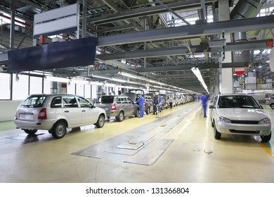 TOGLIATTI - SEPTEMBER 30: Cars on assembly line at Avtovaz factory on September 30, 2011 in Togliatti, Russia. LADA brand in 2012 won 19,4% of the car market of new cars Russia.