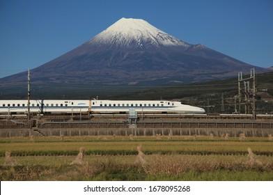 Tokaido Shinkansen and Mt Fuji in JAPAN 2011/12/03