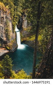 Toketee Falls, Oregon, Umpqua National Forest, United States of America, Travel USA, outdoor, landscape, nature, background, waterfall, tourism, outdoor, crystal clear water
