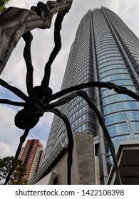 Tokio - Roppongi - Japan May 30 2019   Spider statue in Roppongi Hills