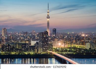 Tokyo city and Tokyo skytree at dusk