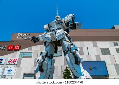 TOKYO JAPAN - 1 AUG 2018 : Beautiful Giant Unicorn Gundam Model and statue standing at front of Diver city plaza Tokyo shopping mall in Odaiba island japan