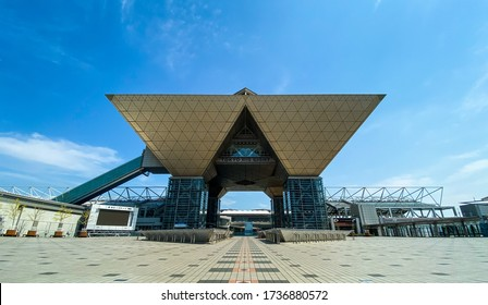 TOKYO, JAPAN. May 1st 2020. Tokyo Big sight & Ariake Street View, with Very Few People Empty city