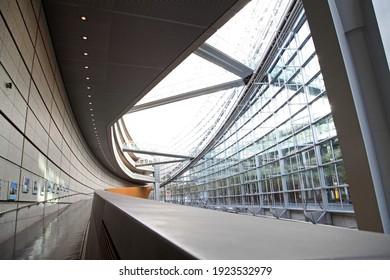Tokyo Japan November 22 2018 Tokyo International Forum curved walkway to different level