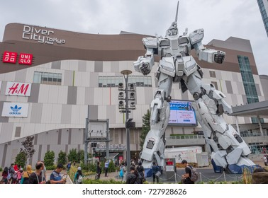 TOKYO, JAPAN - SEPTEMBER 29TH, 2017. New 1/1 scale model of RX-0 Unicorn Gundam Mobile Suit statue at Diver City, Odaiba.