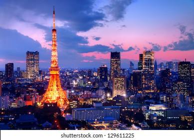 Tokyo Tower in Tokyo, Japan at dusk.