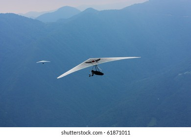 Hang Glider Images, Stock Photos & Vectors   Shutterstock