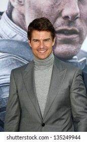 """Tom Cruise at the """"Oblivion"""" Los Angeles Premiere, Dolby Theater, Hollywood, CA 04-10-13"""
