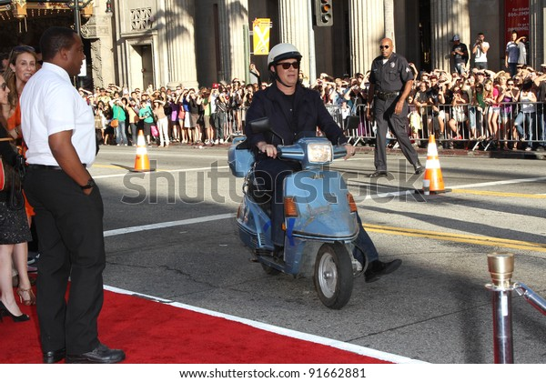 """Tom Hanks at the """"Larry Crowne"""" World Premiere, Chinese Theater, Hollywood, CA. 06-27-11"""