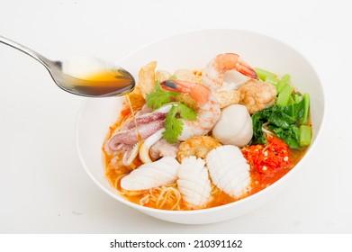 Tom Yam Talay, Seafood Noodle tom yum Soup