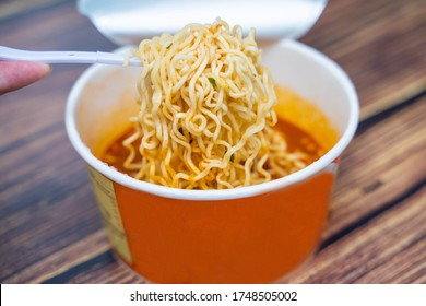 tom yum goond instant noodles in paper cup,instant noodles
