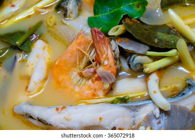 Tom Yum Goong, hot and sour soup