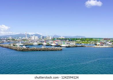 Tomakomai Harbor Sunny